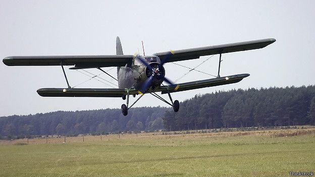 Ан-2 приземляется