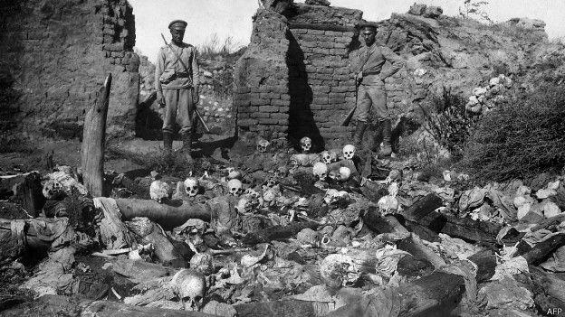 Imagenes de esqueletos de las victimas de las matanzas de armenios en Turquía