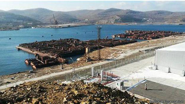 Реакторы атомных субмарин, складируемые под Владивостоком