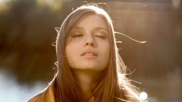 Cerrar los ojos favorece la concentración, según diversos estudios.