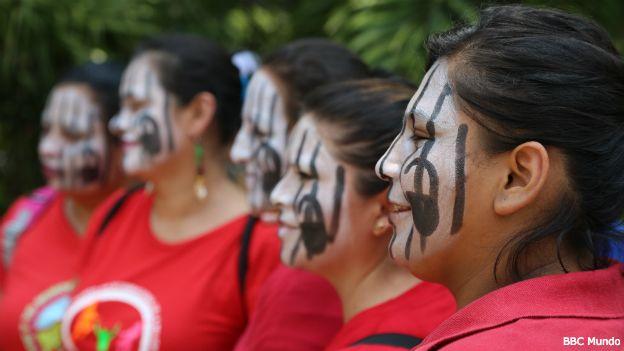 Marcha en San Salvador para pedir la despenalización del aborto