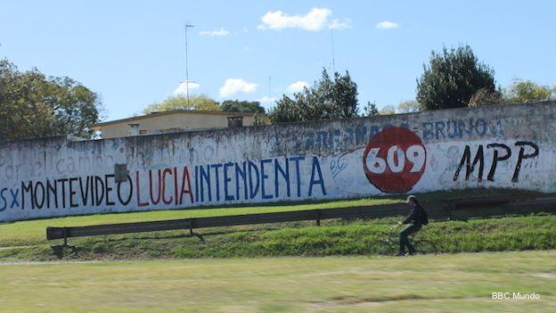 Muro pintado a favor de la candidata a intendente de Montevideo, Lucía Topolansky.