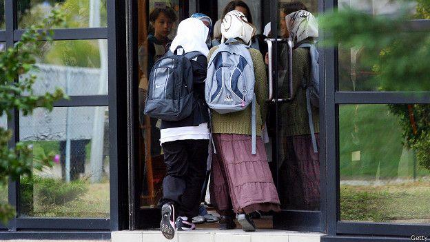 Ֆրանսիայում կրոնական հողի վրա նոր սկանդալ է հասունանում. բաց չթողնեք
