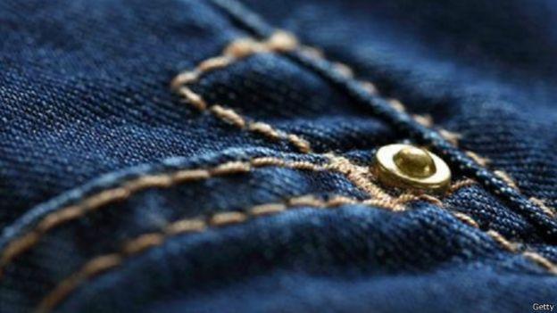 كيف بدأت وتطورت صناعة الجينز؟ 150506131300_jeans_evolution_640x360_getty