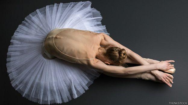 Bailarina en piso