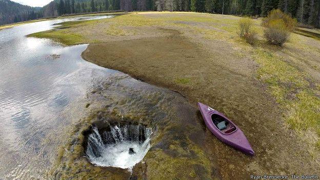 El lago perdido de Oregón estña desapareciendo por un misterioso agujero