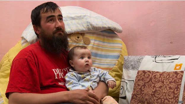 Самый маленький в семье - шестимесячный Абдулмуиз - родился уже в Карпатах