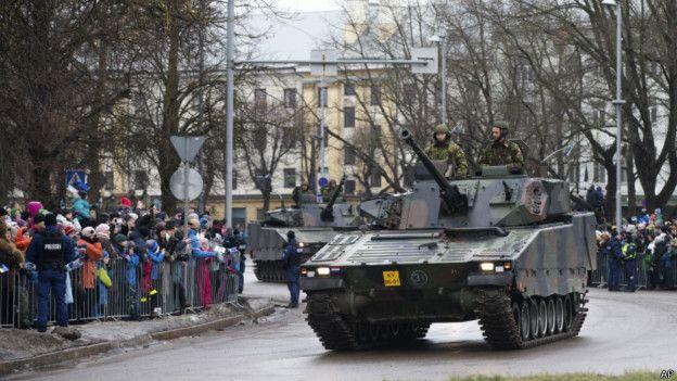 Парад с участием сил НАТО в Нарве