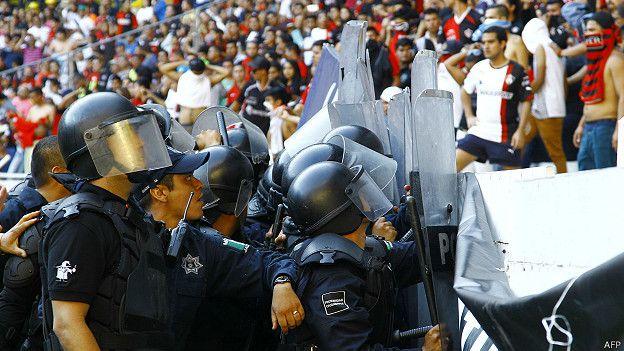 Enfrentamientos en el estadio de las Chivas