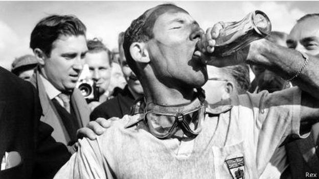 El ganador del Gran Premio de Gran Bretaña de 1957, Stirling Moss