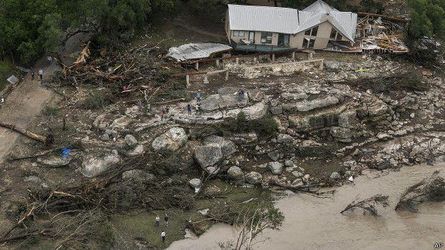 Урон, нанесенный наводнением в Техасе