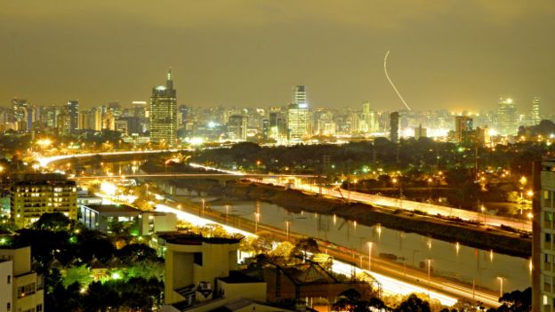 Khung cảnh về đêm của thành phố Sao Paulo