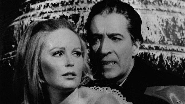 """Dos de sus películas de Drácula fueron prohibidas en Australia, pero la tercera, """"Draculas has risen from the grave"""" fue admitida tras varios cortes."""