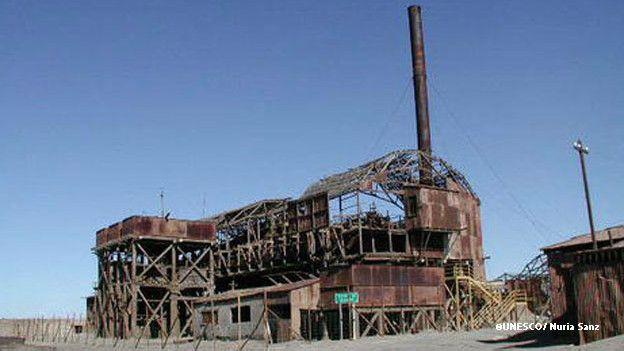 Están ubicadas a 47 kilómetros al este de la ciudad de Iquique.null