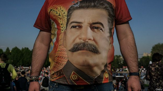 150623182131_stalin_tribunal_fashion_624