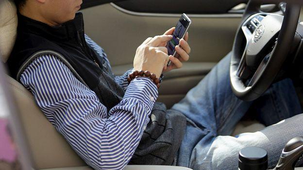 Nhắn tin bằng điện thoại di động