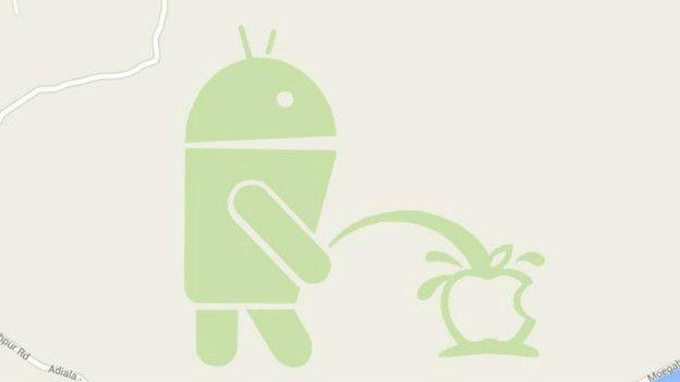 Broma en Google maps en la que el robot de Android orina sobre el logo de Apple