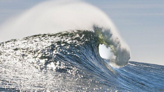 Los científicos prevén que las olas del tsunami alcancen varios metros de altura.