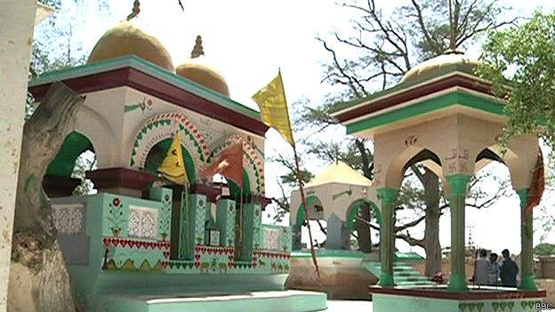 पाकिस्तान के सिंध प्रांत में हिंदू मंदिर.