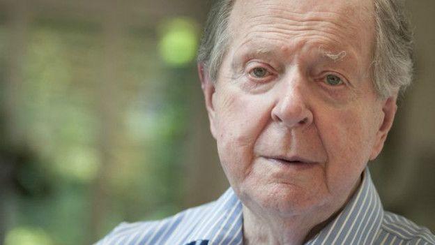英國歷史學家羅伯特·康奎斯特