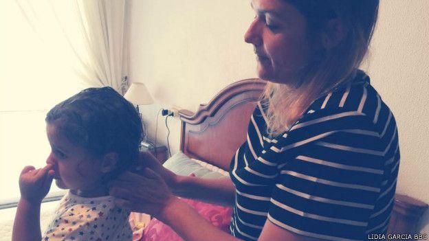 Lidia García Villar con su hija
