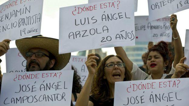 Protesta por los estudiantes desaparecidos