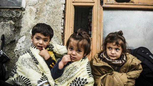 niños migrantes en la calle