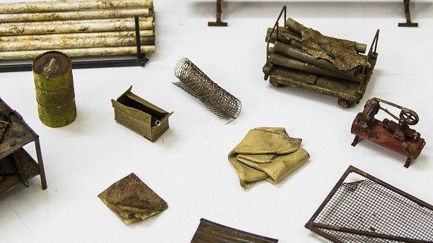 مواد مختلفة تدخل في صناعة المصغرات وليس الخشب فقط