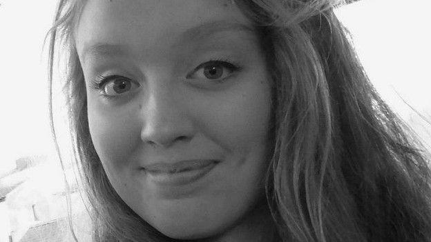 Izzy Dix, joven inglesa que se suicidó a los 14 años