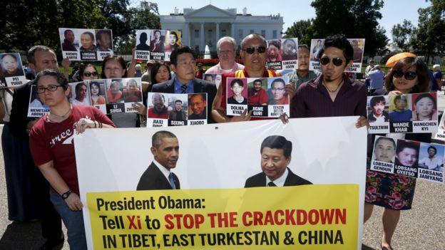 Biểu tình vì người Tây Tạng trước Nhà trắng tại Washington