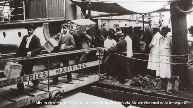 Inmigrantes argentinos en el siglo XX