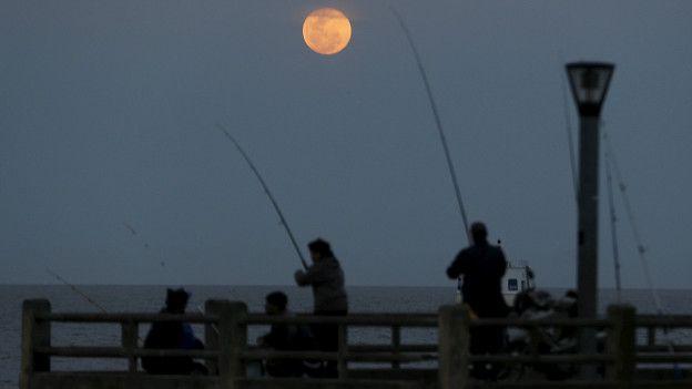 Superluna sobre el Río de la Plata