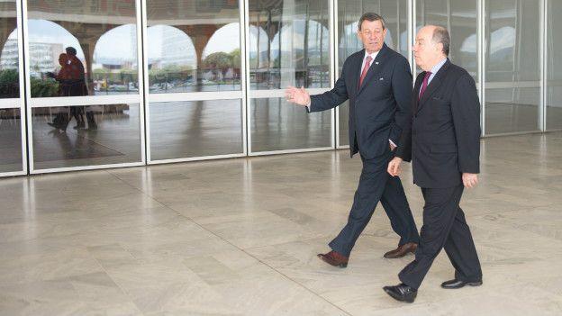 Ministro Mauro Vieira (dir.) recebe o Ministro de Relações Exteriores do Uruguai, Rodolfo Nin Novoa (Foto: Ana de Oliveira/AIG-MRE)