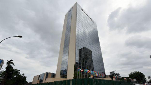 L'immeuble de la BAD, la Banque Africaine de Développement en plein coeur du quartier du Plateau à Abidjan
