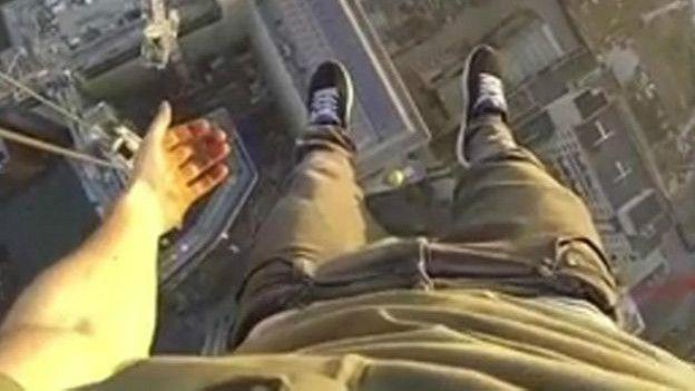 crane selfie