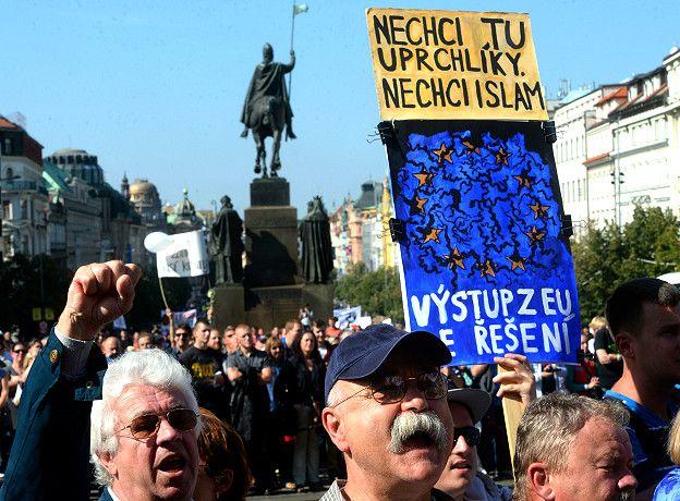 Президент Чехии отверг обвинения ООН в нарушении прав мигрантов