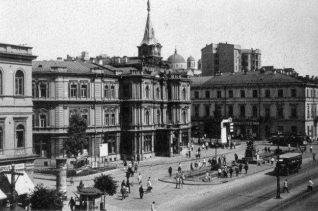 1925 рік, Хрещатик. Київська міськрада.
