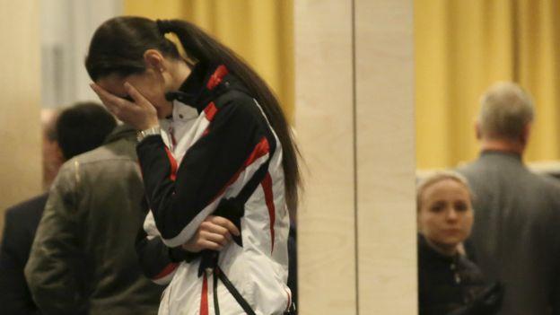 失事KGL9268客机家属在圣彼得堡机场旁的旅馆等待进一步的消息。