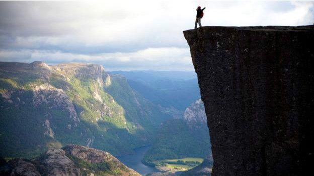 La cima de Preikestolen, Noruega