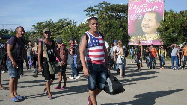 Migrantes cubanos varados en la frontera entre Nicaragua y Costa Rica