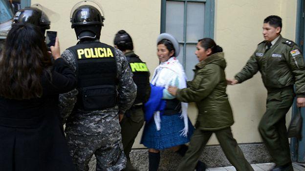 Detención exministra de Evo