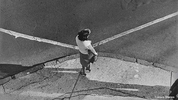 Encrucijada, foto de una calle de la capital mexicana