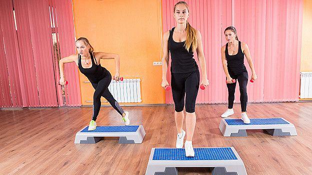 Los ejercicios para el aumento al músculo del pecho
