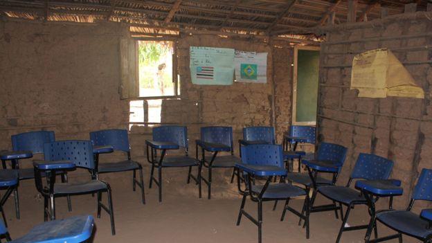 Escuela en Turi do Augusto
