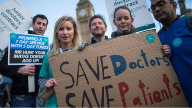 即使這樣,根據一份問卷調查顯示,大多數的英國公眾還是支持初級醫生的罷工行動。