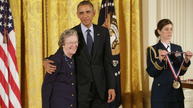 Barack Obama, presidente de EE.UU. y Edith Flanigen