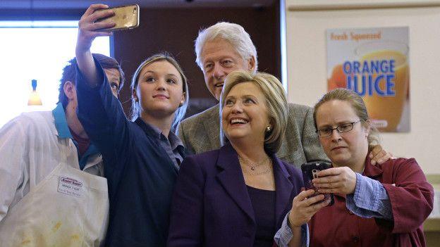 Hillary Clinton con seguidores