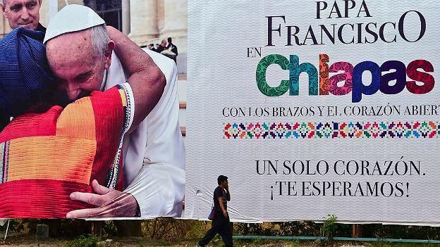 Cartel que anuncia la visita de Francisco a Chiapas