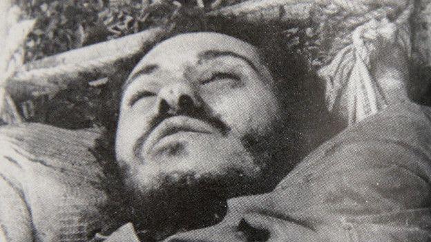 La foto del cuerpo de Camilo Torres difundida tras su muerte