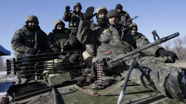 Украинские бойцы после выхода из Дебальцева отходили в район Артемовска